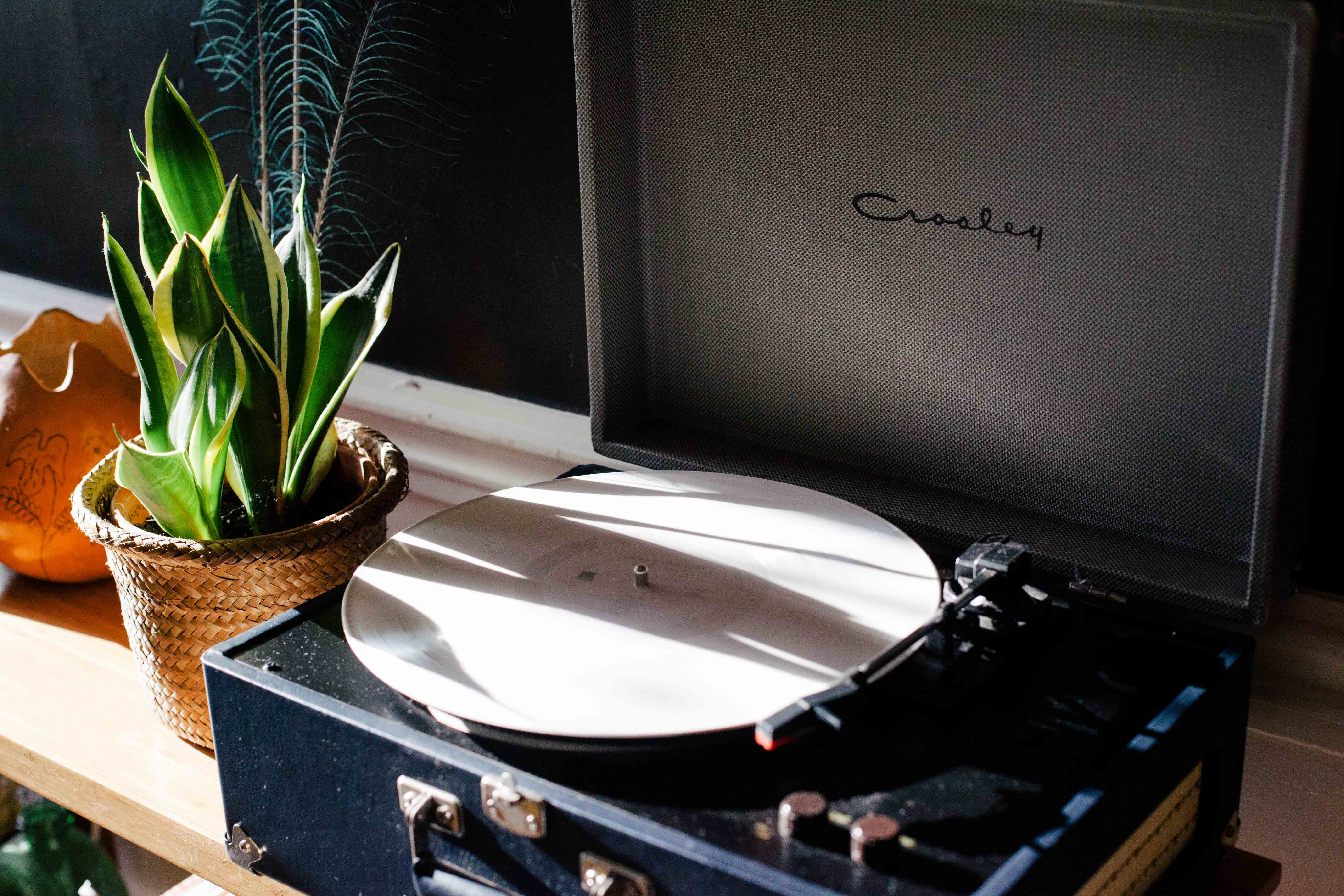 Best Portable Record Player - 2019 Buyer's Guide and Reviews