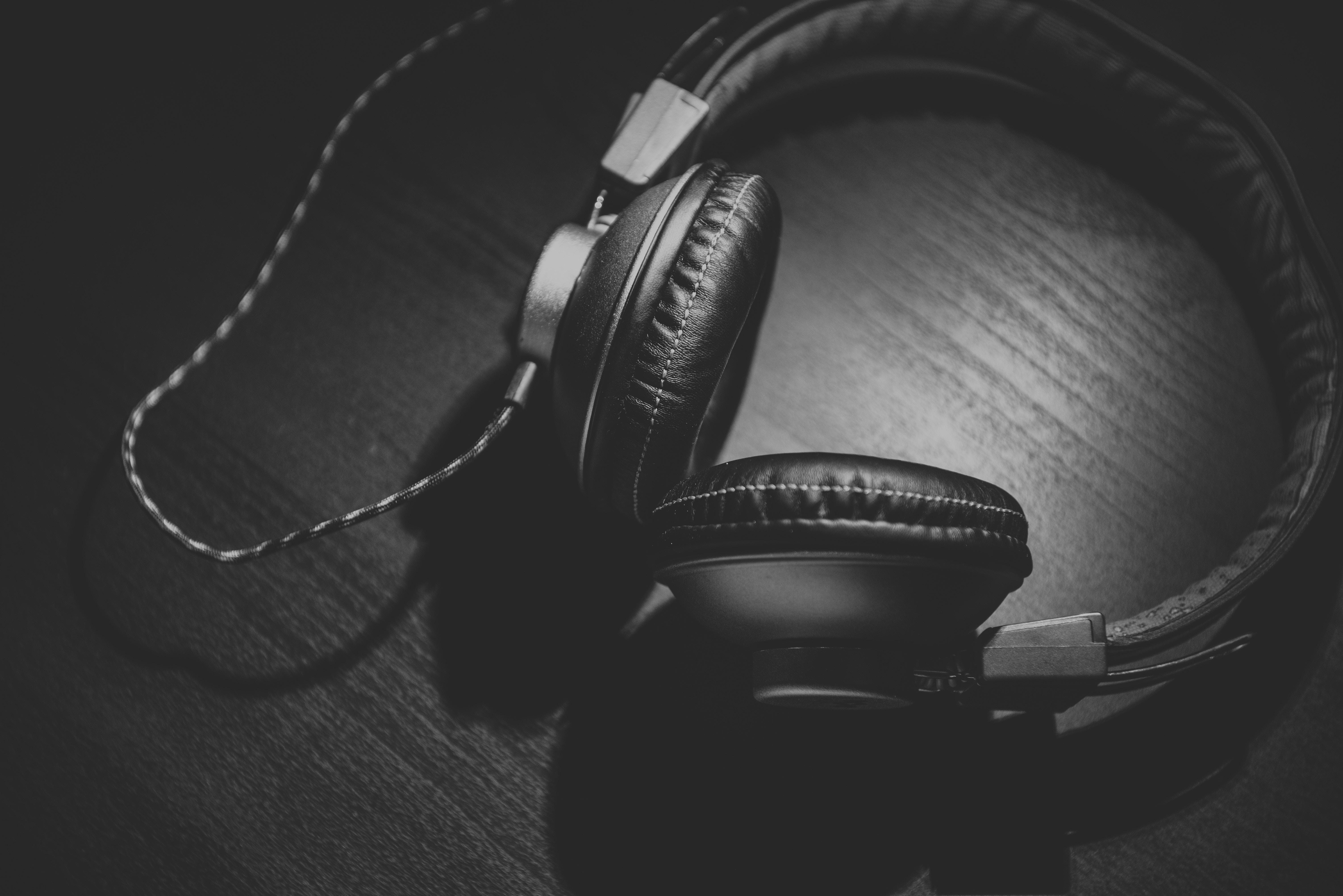 best closed back headphones